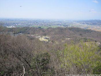 10_0409_kanayama01_17_monomi02