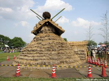 2011年さきたま火祭りの産屋側面